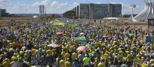Brasília recebeu mais de 100 mil pessoas