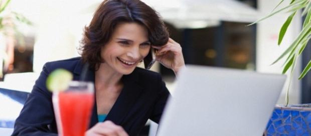 Trabalho de telemarketing com benefícios