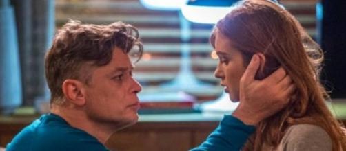 Arthur e Eliza transam pela primeira vez