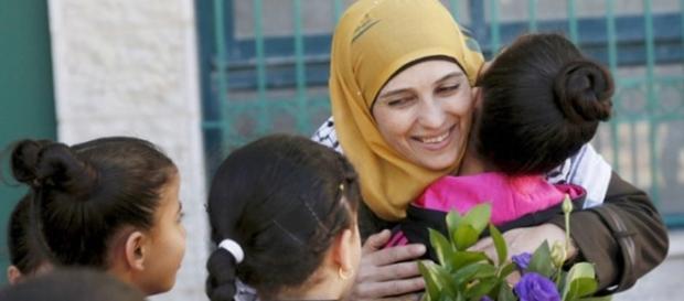 Al Hroub enseña en un instituto de Al Bireh