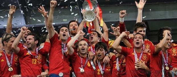 España levantando el título la pasada Eurocopa