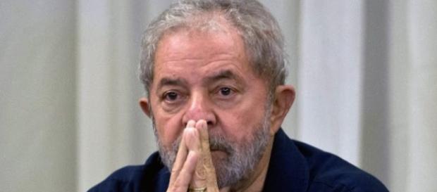Lula, em comoção com os últimos acontecimentos