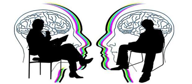 personas en consulta de psicología