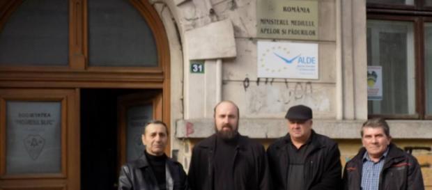 Preotul din Borlovenii Vechi şi localnicii