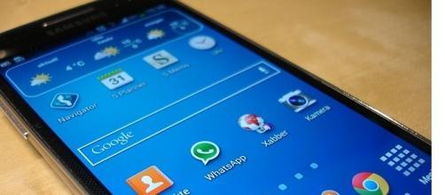 Unieuro Vs Comet: offerte cellulari online