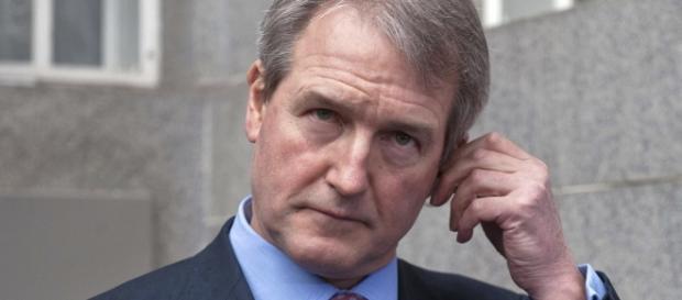 Owen Paterson ministrul care i-a supărat pe toți