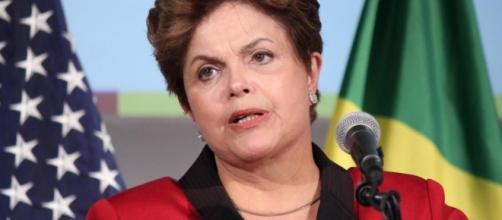 Dilma Roussef cerca de la destitución