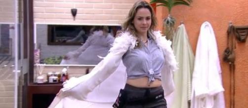 Globo se rende ao carisma de Ana Paula