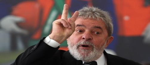 Lula aceita convite e será Ministro da Casa Civil