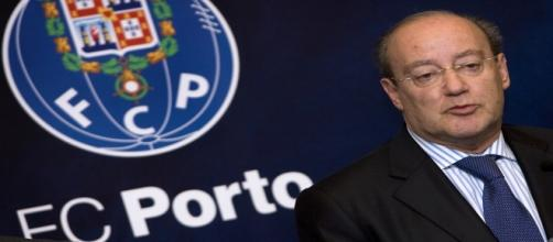 Pinto da Costa desmente jornal espanhol.