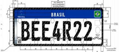 Placa será adotada no Brasil em 1º janeiro de 2017