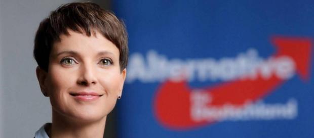 """Frauke Petry noua """"doamnă de fier"""" a Germaniei"""