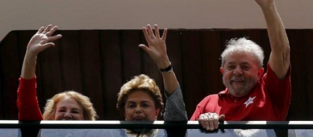 Para oposição, governo Dilma acabou, com Lula