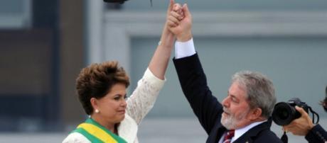 Dilma e Lula em dia de posse de ministros