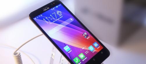 Asus ZenFone Max, lo smartphone-Power bank