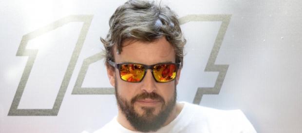 Alonso é bicampeão de Fórmula-1 pelo time Renault