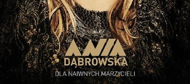 """Okładka płyty Ani Dąbrowskiej """"Dla naiwnych marzycieli"""""""