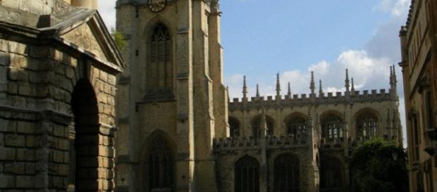 La Universidad de Oxford es la mejor de Europa.