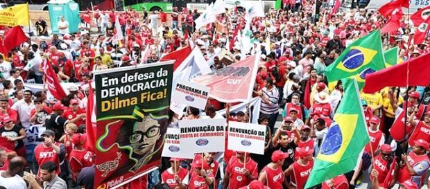 Manifestação Pró-Dilma em Belo Horizonte