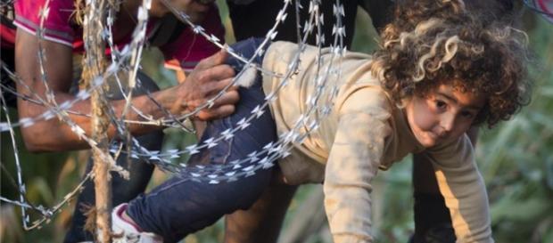 A crise da chegada de refugiados à Europa aumenta.