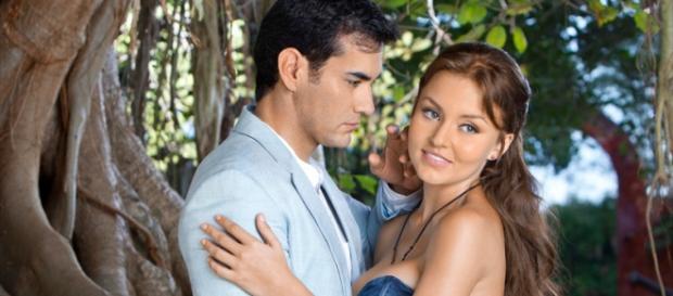 A trama é estrelada por Angelique e Zepeda.