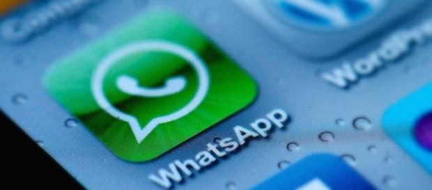 La società WhatsApp è proprietà di Facebook