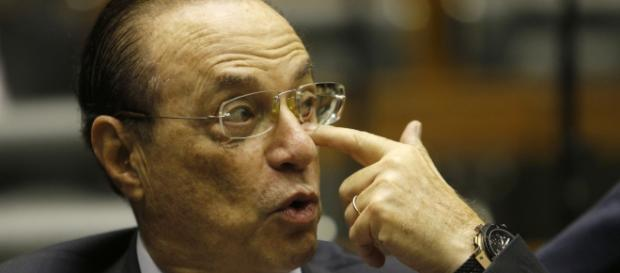 Paulo Maluf também responde na Justiça brasileira
