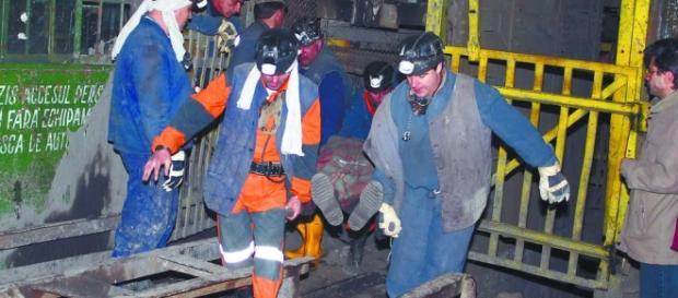 Explozia de la mina Vulcan a făcut 17 victime