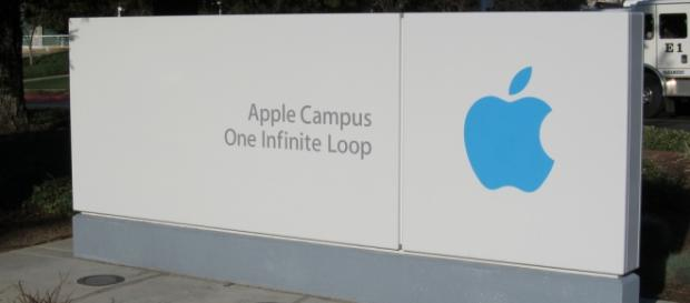One Infinite Loop on Apple Campus. Nan Palmero/Flickr.
