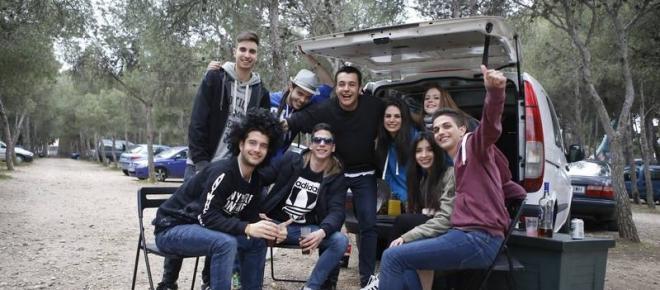 Gran fiesta de universitarios en el parque de atracciones de Zaragoza