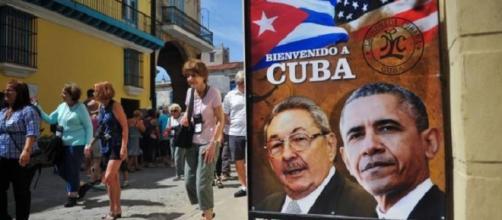 Manifesti a L'Avana per un evento storico
