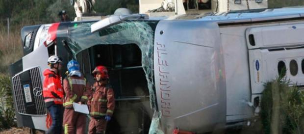 Trabajadores de emergencias ultiman el rescate