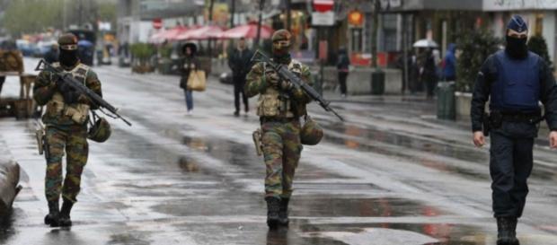 Exército toma conta das ruas de Bruxelas