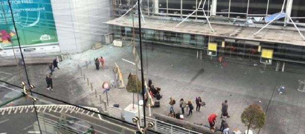 I momenti dopo l'esplosione a Bruxelles.