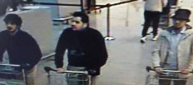 Imagen de los posibles terroristas en el aeropuerto