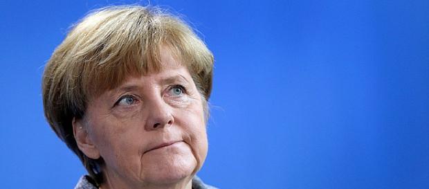 Merkel condamnă atentatele din Belgia