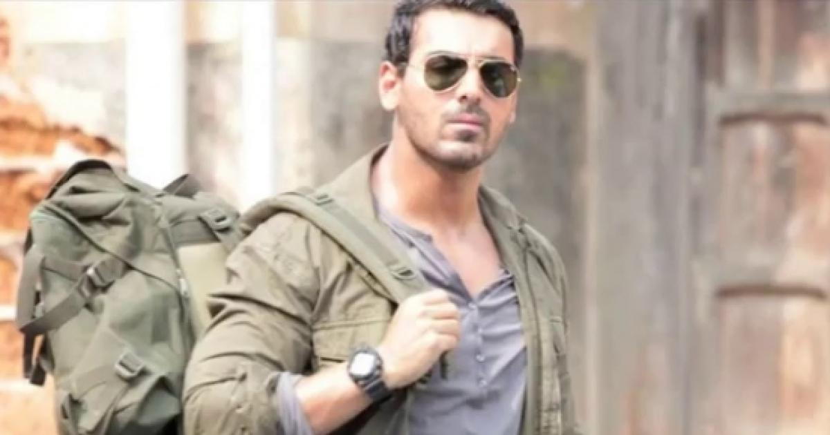 john abraham pushing fans - 707×530