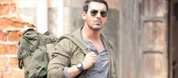 John Abraham on Savdhaan India for Rocky Handsome
