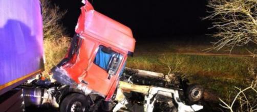 Acidente rodoviário em França faz 12 mortos