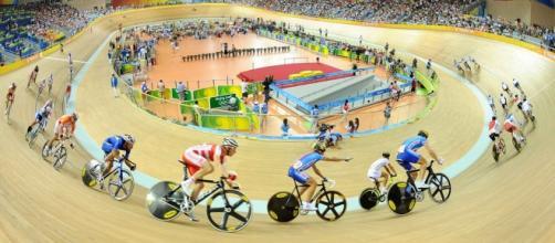 Ciclismo indoor exige muita concentração e técnica