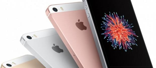 El nuevo iPhone SE sólo tiene 4 pulgadas pero ofrece mayor autonomía que los smartphones de alta gama más populares del mercado. Foto: Apple