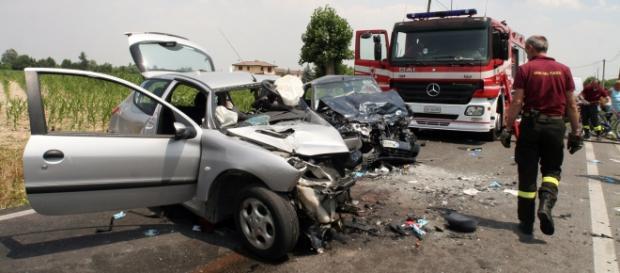 Incidente stradale in Francia: 12 morti