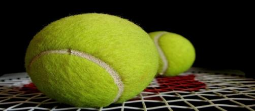 Tennis balls/ Photo: Alosh Bennett (Flickr)