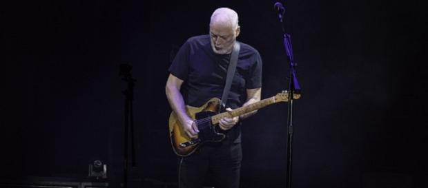 David Gilmour to light up Pompeii this summer