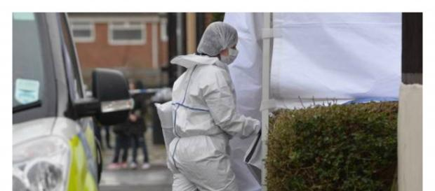 Equipes forenses investigaram o local