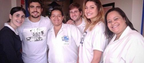 Caio Castro e Sasha visitaram o Hospital do Câncer