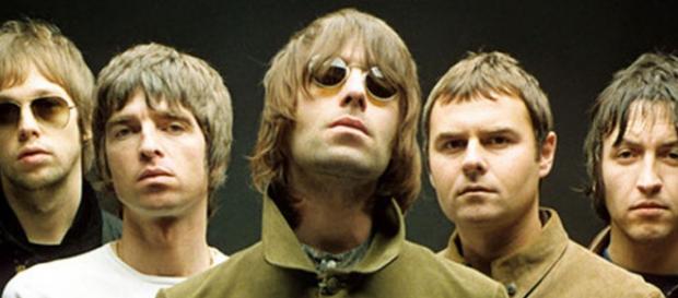 La banda de los hermanos Gallagher a pesar de estar separada desde el 2009 sigue teniendo miles de seguidores