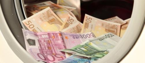 Hacienda denuncia hasta nueve delitos