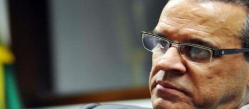 Henrique Eduardo Alves presentó su renuncia al gobierno de Rousseff