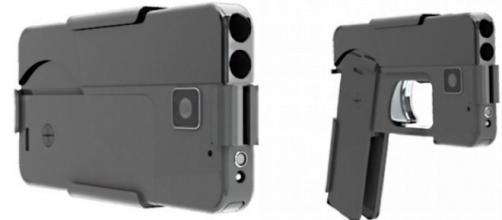 La pistola a due colpi che sembra uno smartphone